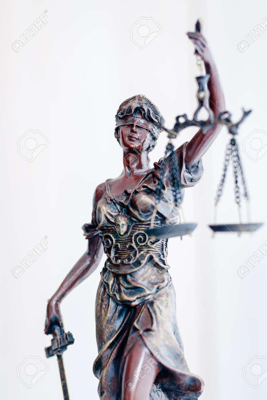 Femida bronze goddess statue holding scales - 20103872
