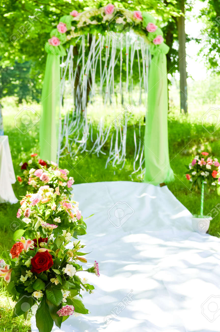 Wedding Outdoor Ceremony Arch Flower Decoration Stock Photo Picture And Royalty Free Image Image 22533531