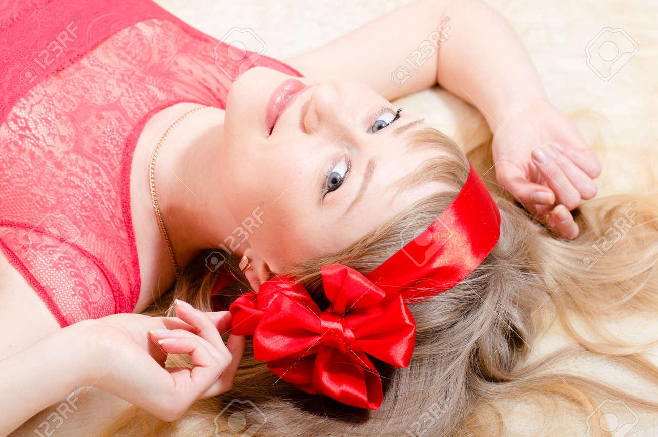Zierlich Blondine Blaue Augen