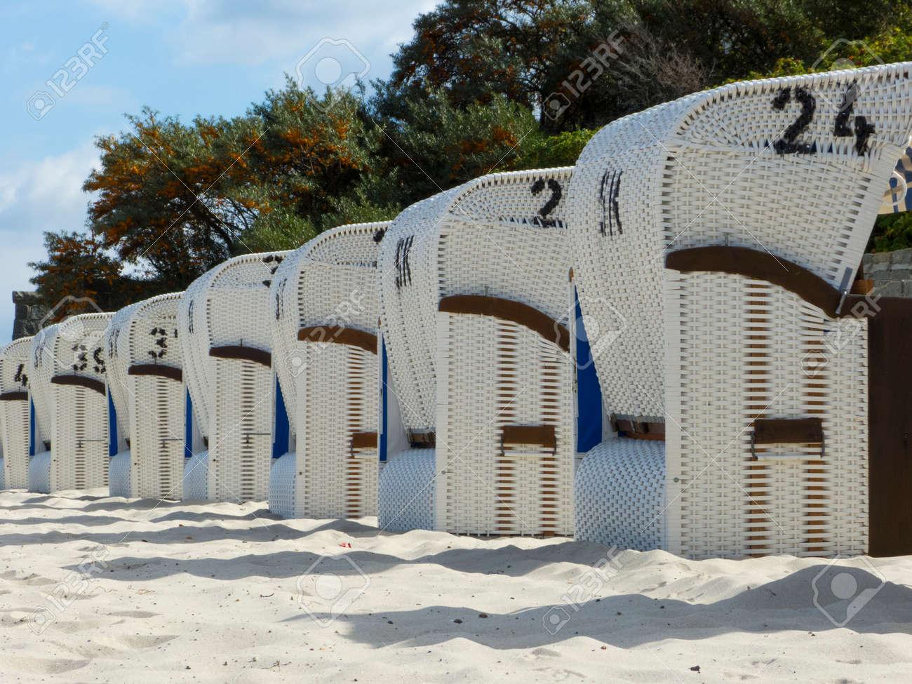 Strandkorb nordsee  Strandkorb An Der Nordsee Und Ostsee Strandkorb Ist Aus Holz Und ...