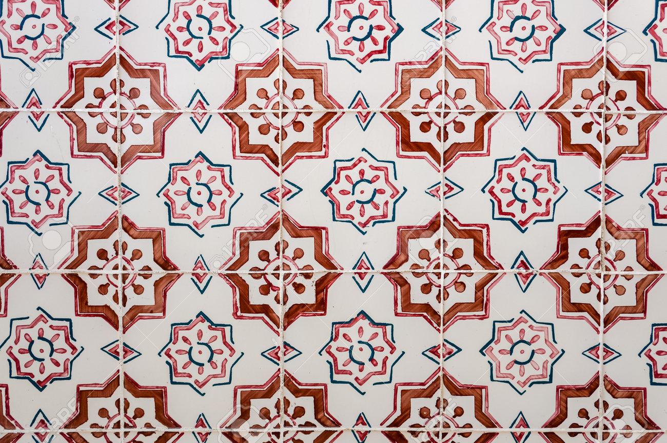 Azulejos Portugais Traditionnels Carrelage En Ceramique Peinte Banque D Images Et Photos Libres De Droits Image 33115747