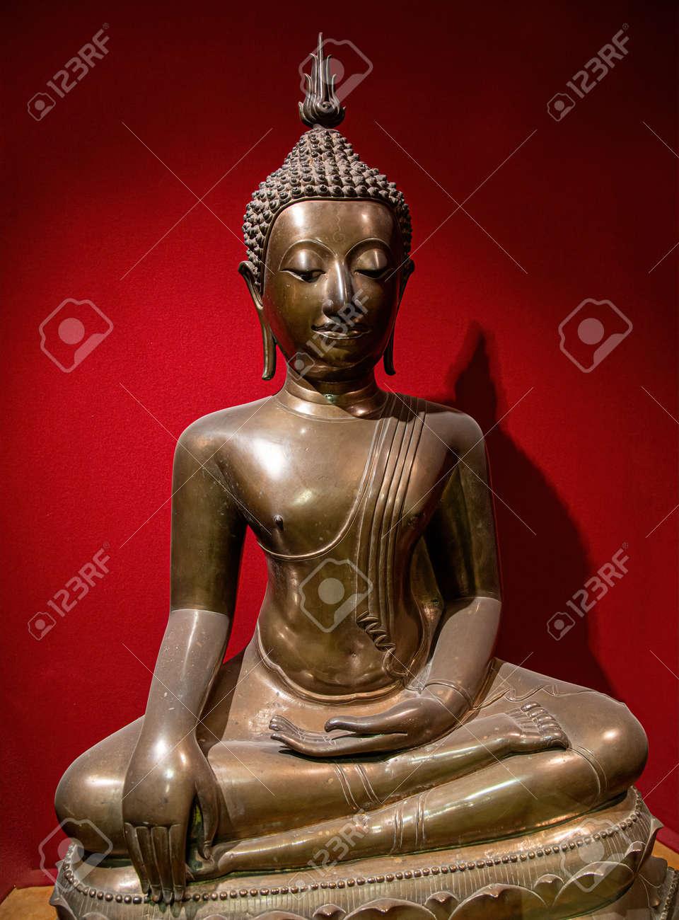 Buddha statue in calm rest pose. Shakyamuni Buddha is a spiritual teacher, one of the three world religions. Siddhartha Gautama Siddhattha Gotama - 169669158