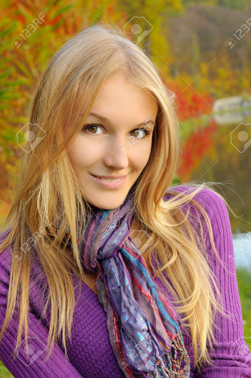 Autumn girl portrait Stock Photo - 14446150
