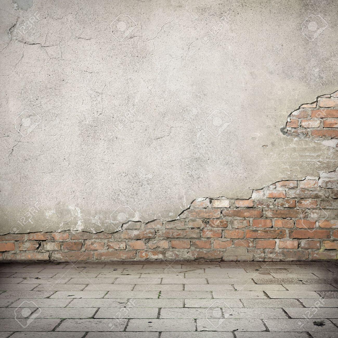 Banque Du0027images   Grunge, Rouge Brique Mur Texture Mur De Plâtre Lumineux  Et Blocs Trottoir De La Route Abandonnée Fond Urbain Extérieur Pour Votre  Propre ...