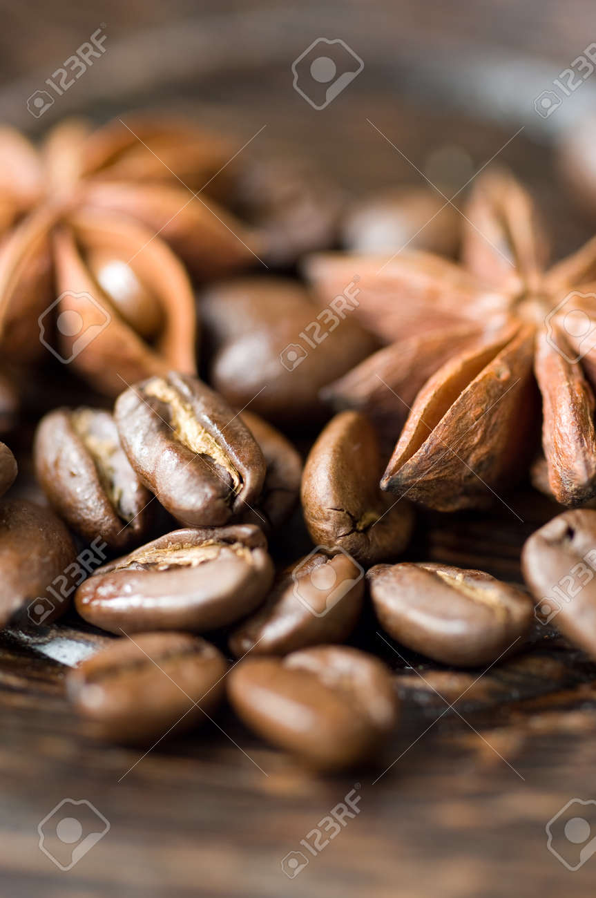 coffee beans and spices - 22808010