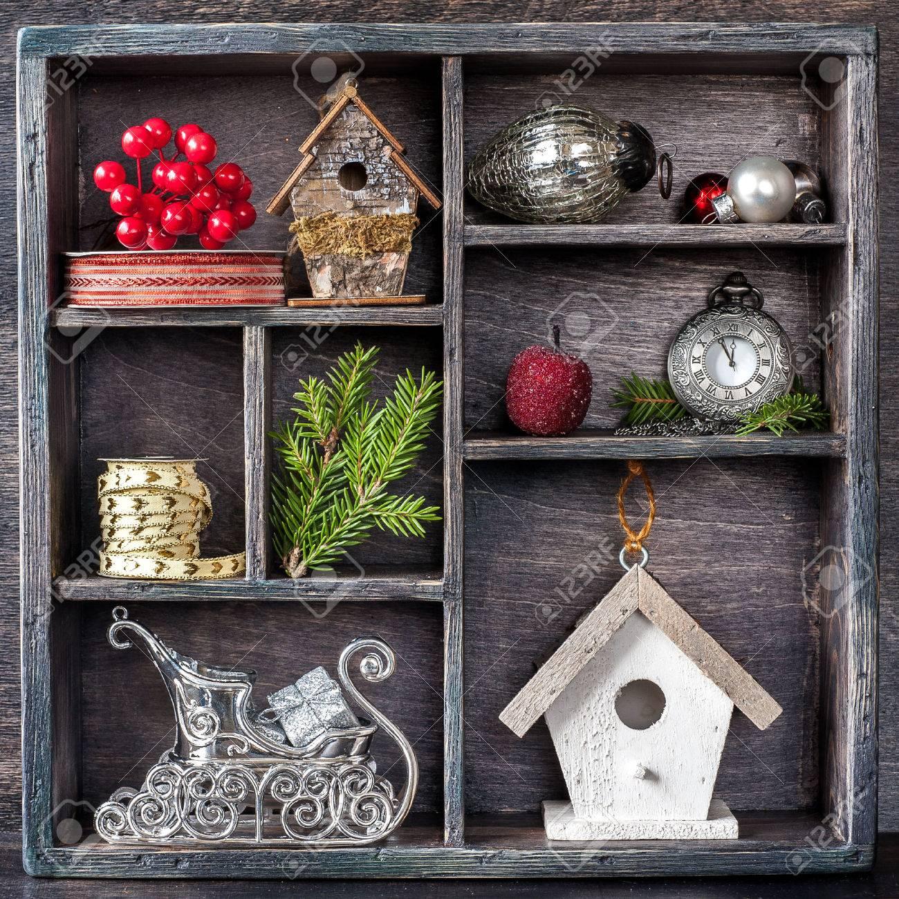 Weihnachtsschmuck Set: Antike Uhren, Vogelhäuschen, Der Schlitten ...