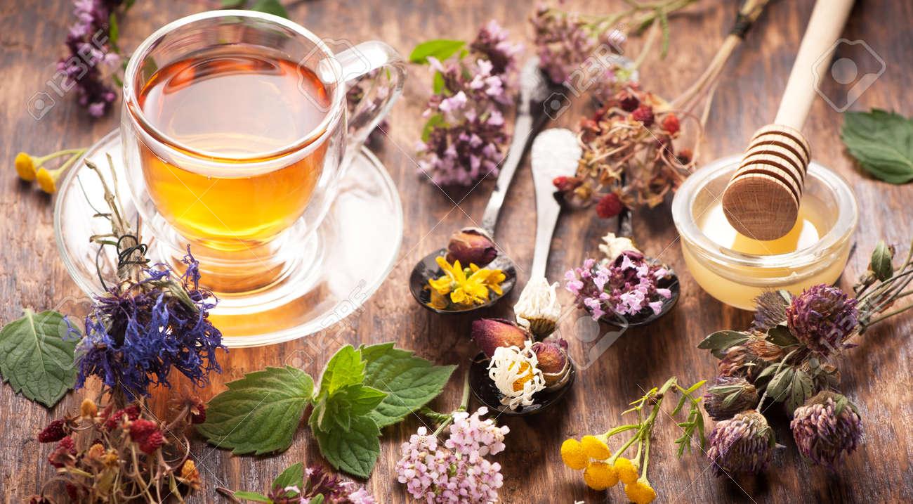 Herbal tea with honey - 50563430