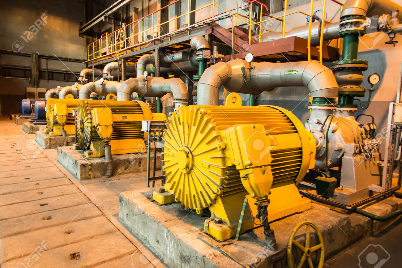 Installations with large water pumps driven by electric motors - 159488745