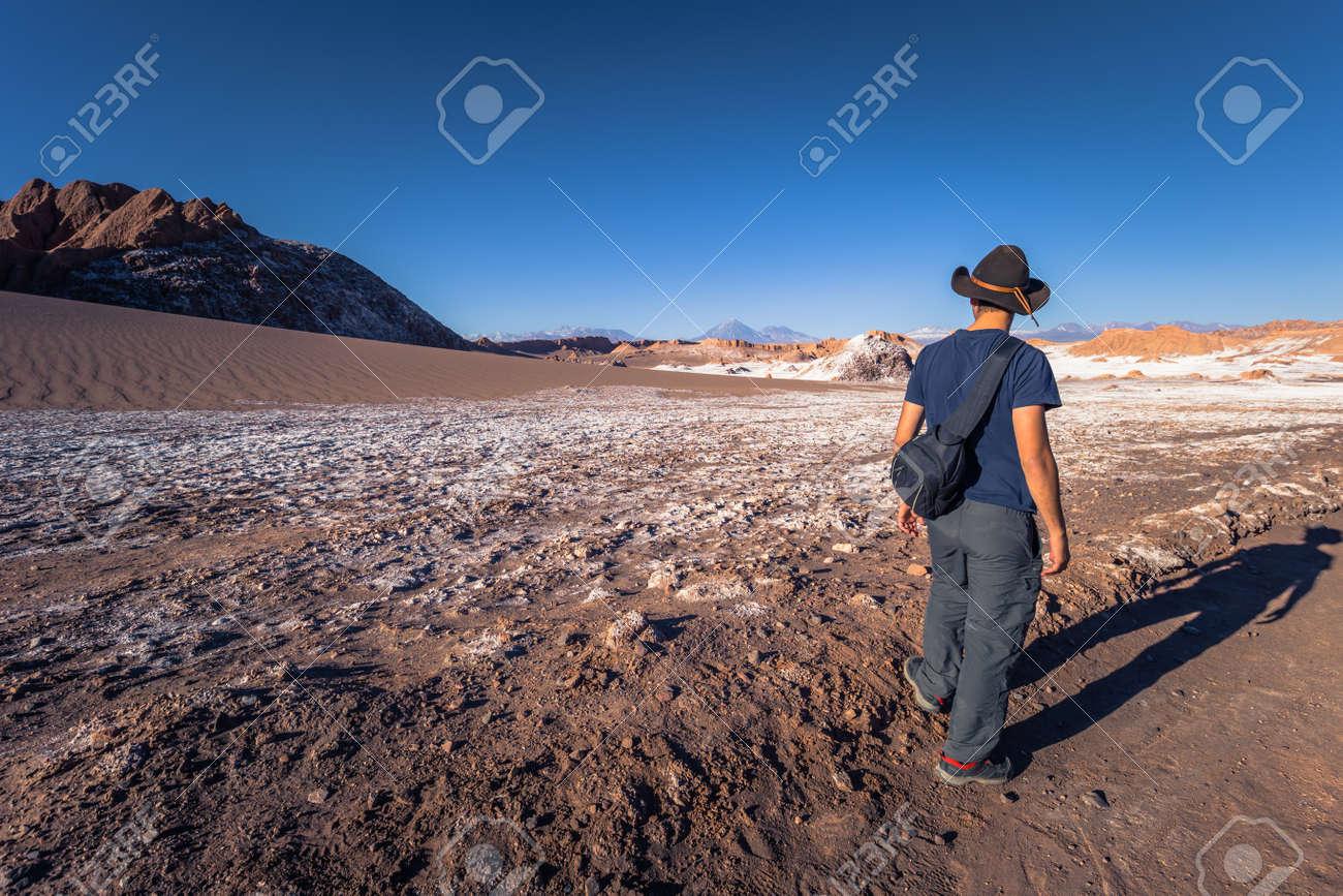 Image of: Dreamstime Atacama Desert Chile Travelers In The Salt Mountains In The Atacama Desert Chile 123rfcom Atacama Desert Chile Travelers In The Salt Mountains In The