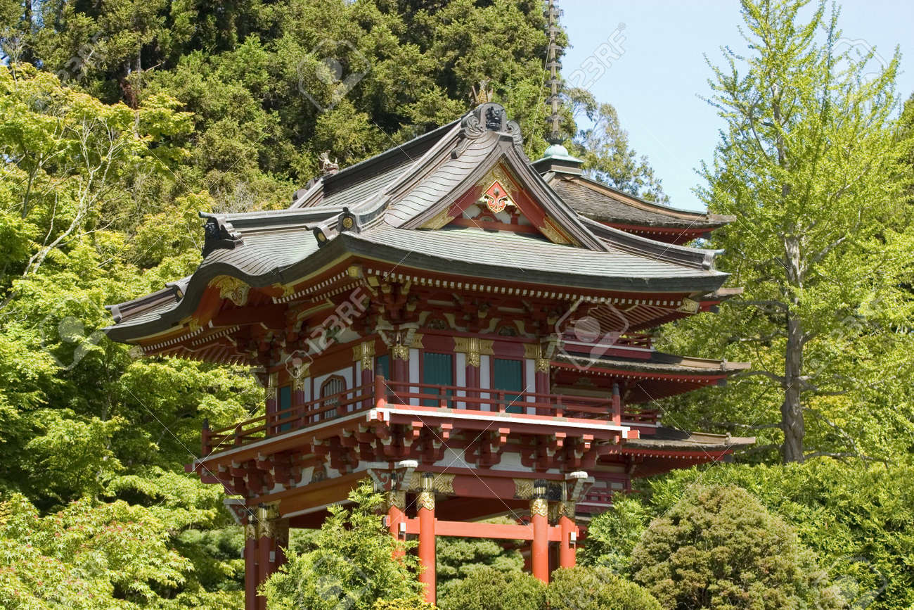 Temple Gate, Located Near The Pagoda, The Japanese Tea Garden ...