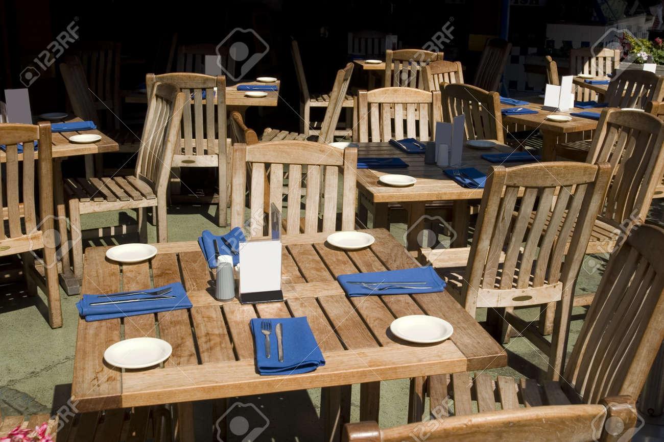 De La Du Restaurant Des Sous Chaises Table Soleil Lumière Et jVpGqzLMSU