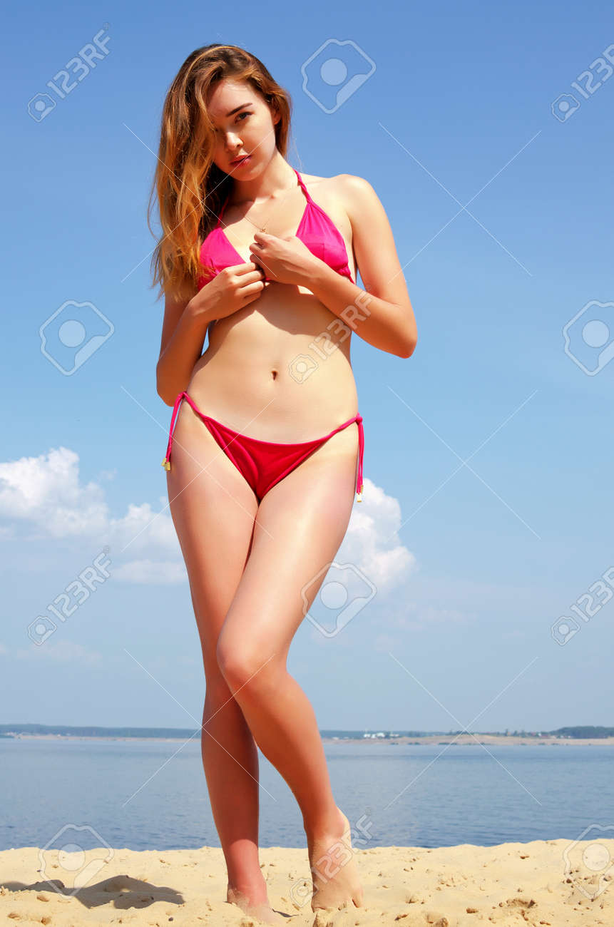Sexy girls in bathing suits images 79