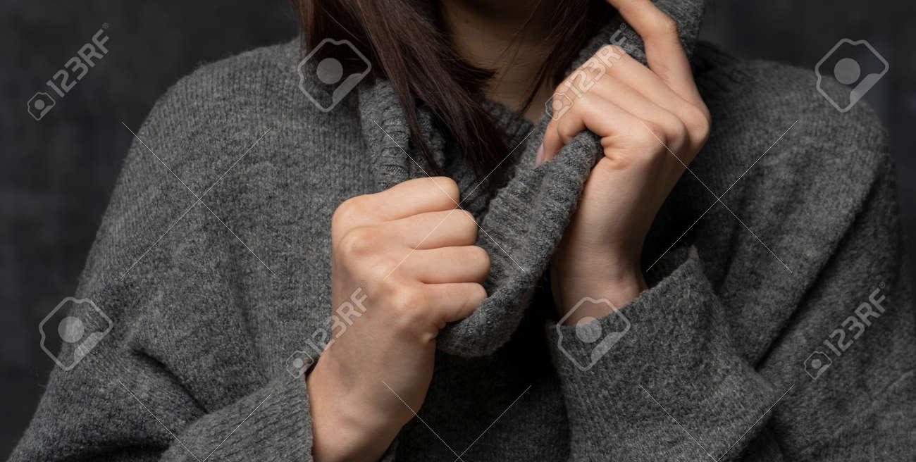 Nice girl weared in the sweater - 157190191