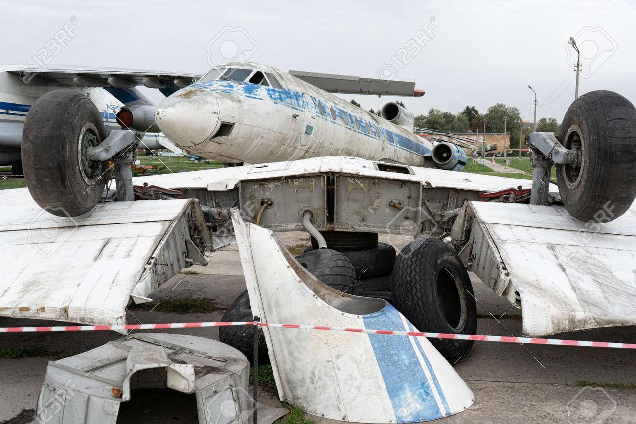 Disassembled airplane parts, aviation decline - 158412639