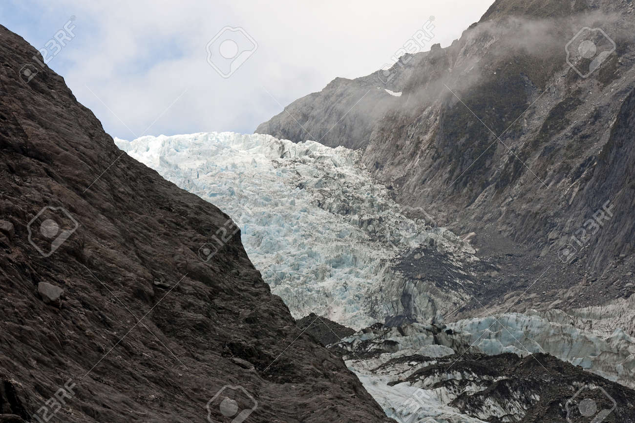 Frantz Josef Glacier is one of the largest in the southern hemisphere Stock Photo - 14626035