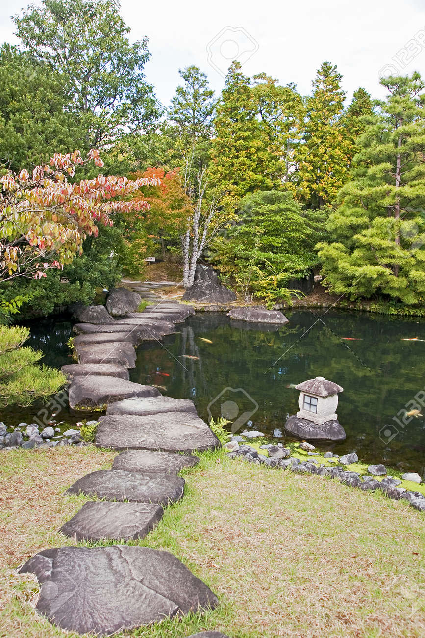 Japanese Garden in Himeji - Japan  View in autumn Stock Photo - 17032619