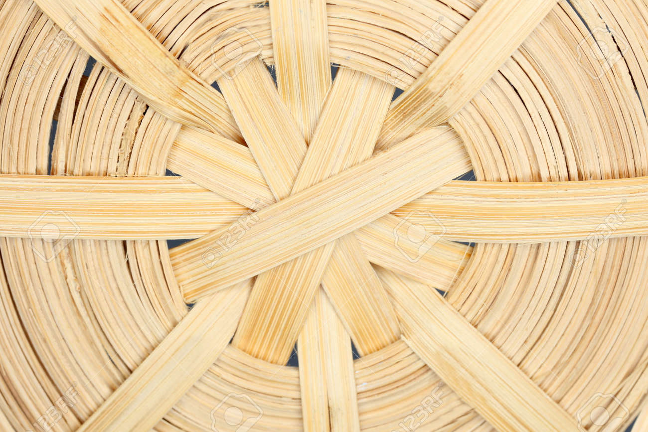 34d3058719188 round weaved wooden basket structure, detail shot Stock Photo - 86494643