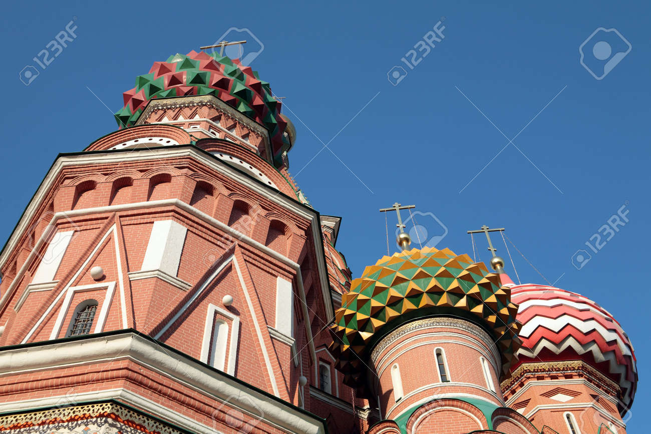 blessed  Basil cathedral at day on sky Stock Photo - 5935586