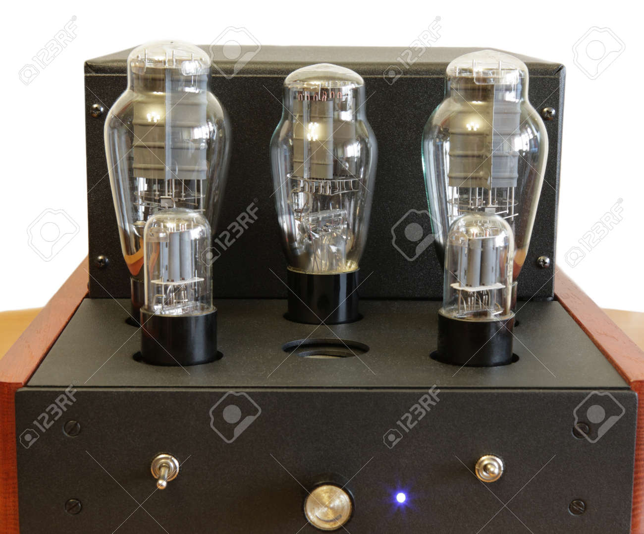 vacuum tube amplifier with 300B triodes