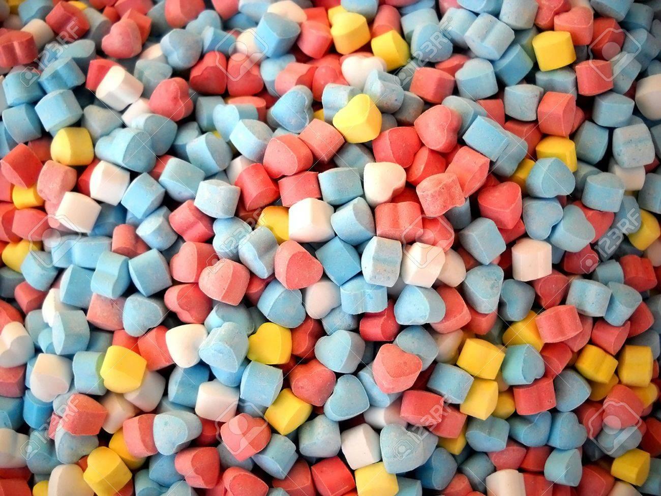 Caramelos de color de corazón poco mexicano