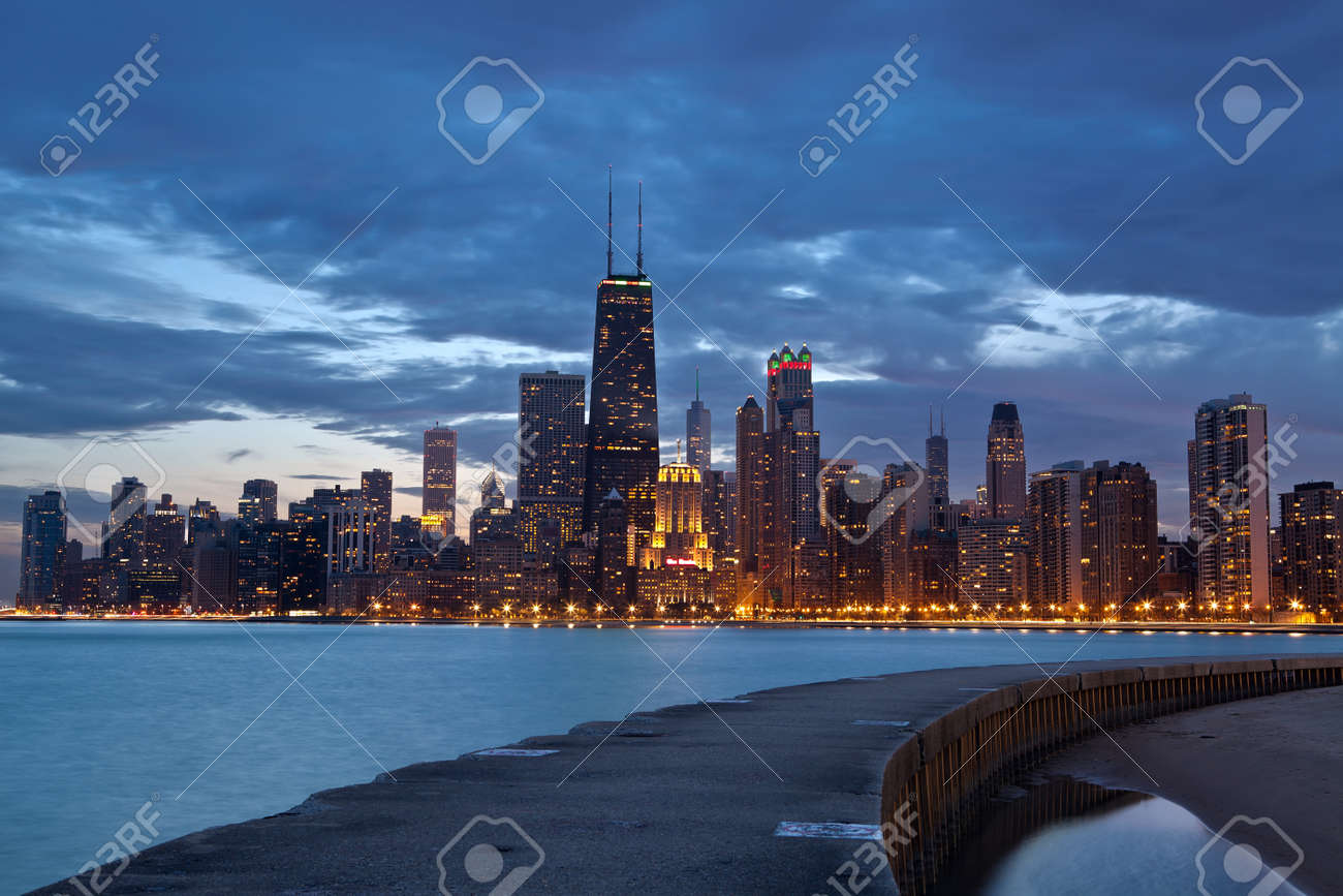 Twilight Blue >> Chicago Twilight Blue Hour At City Of Chicago Royalty Free Stok