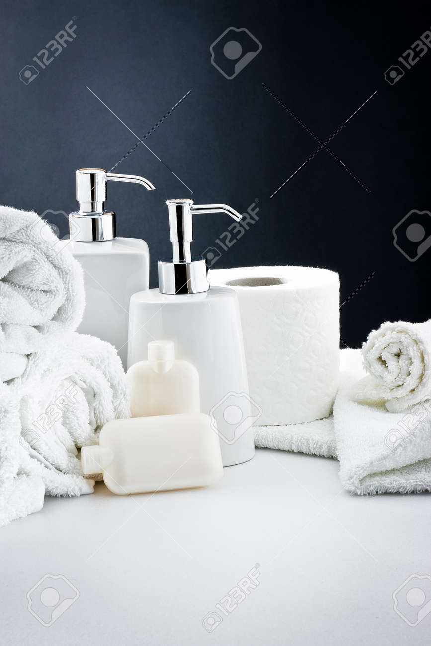 Accessories for bath: Soap,towel and toilet paper - 12123045