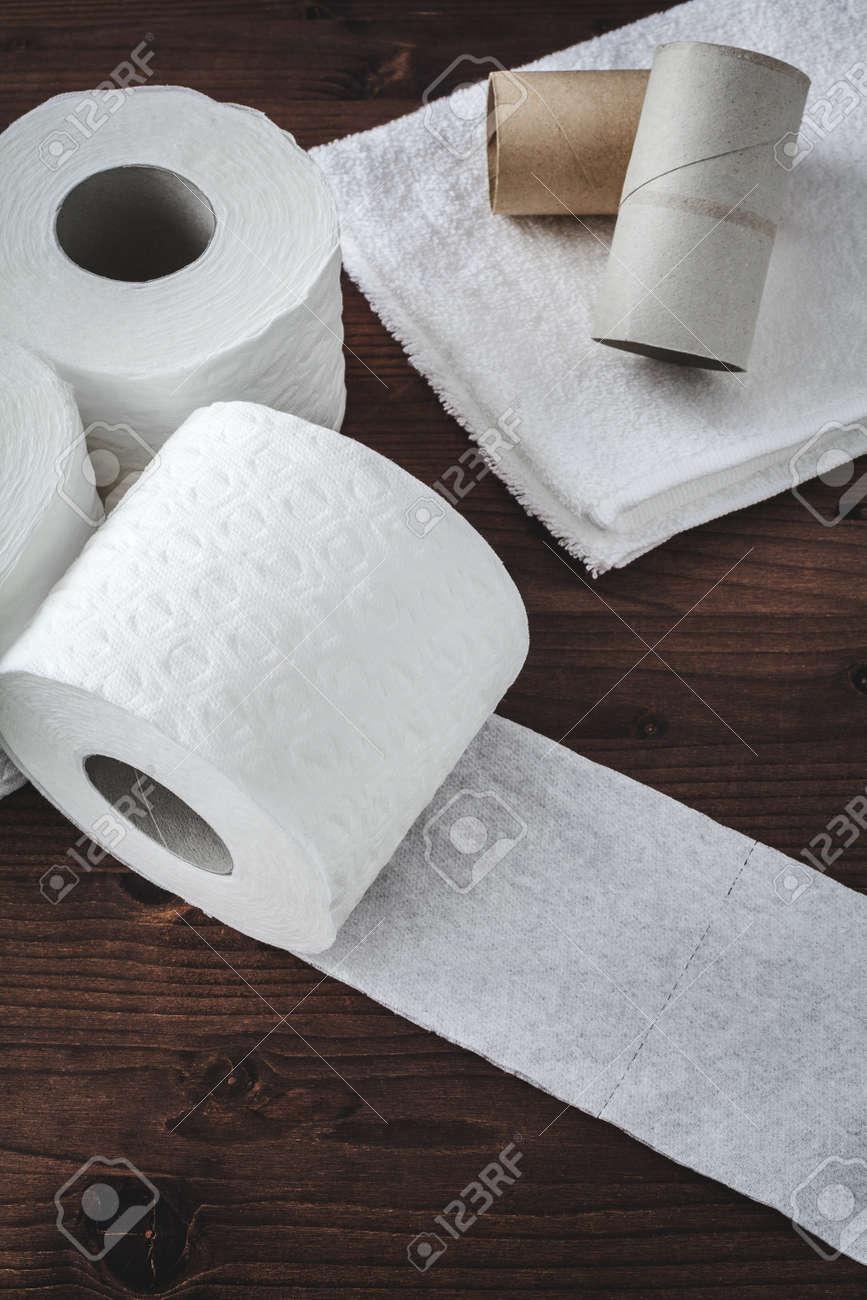 paper toilet rolls - 16692564