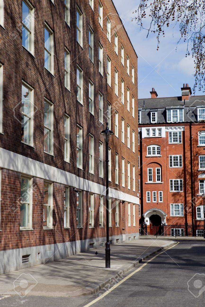 typical beautiful london houses in England Stock Photo - 10549302