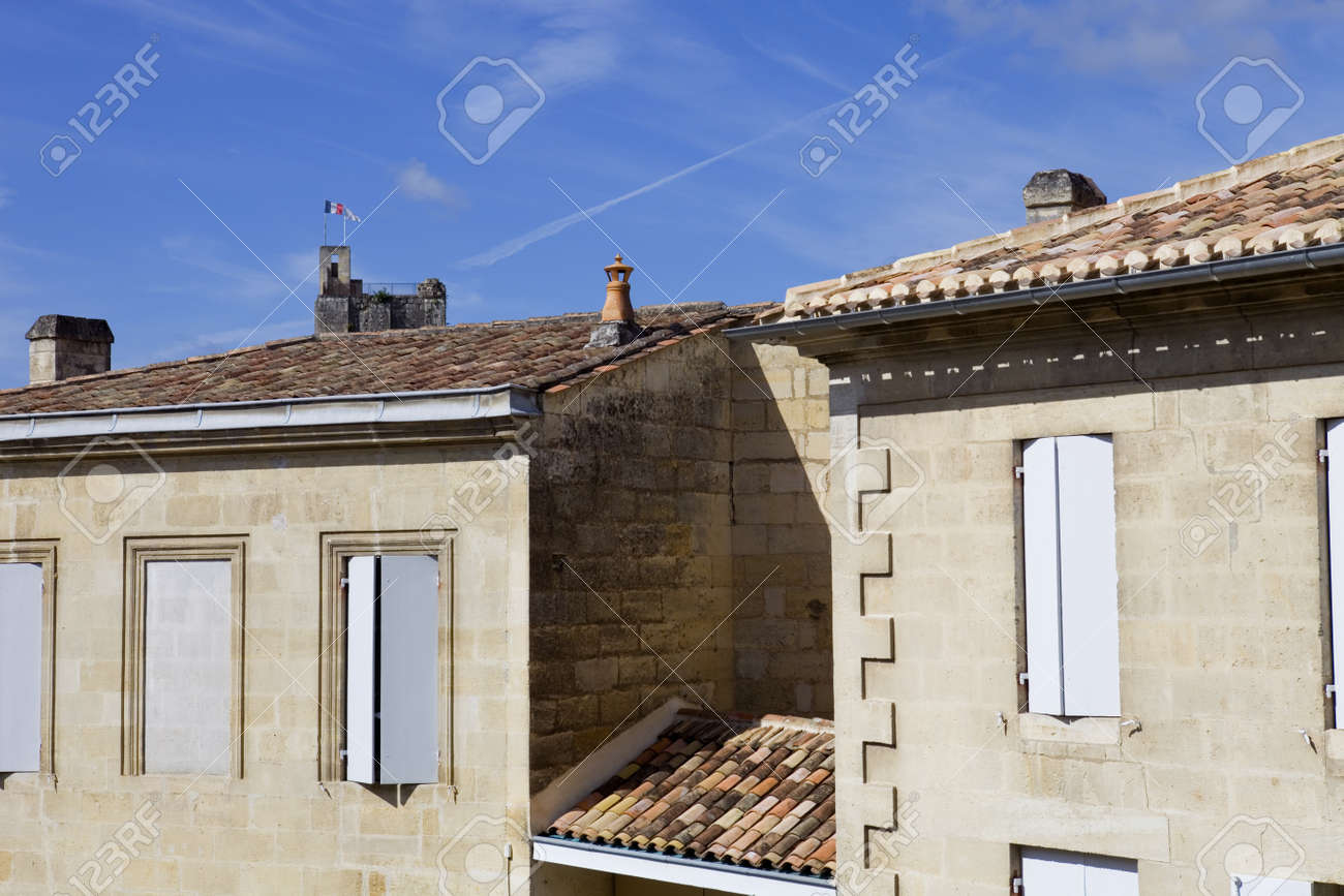saint emilion architecture, in aquitaine, france Stock Photo - 17147106