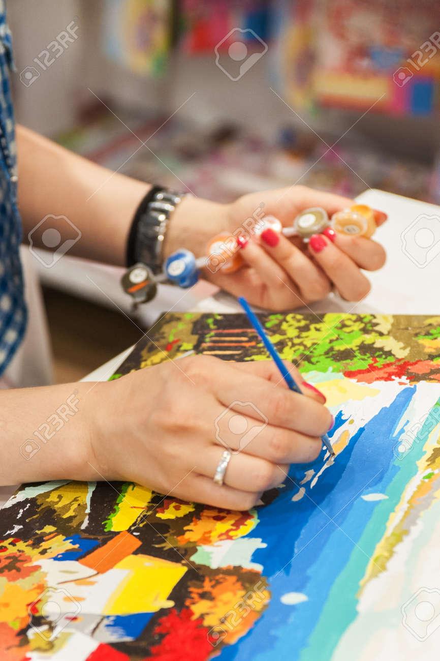 Coloriage Adulte Peinture.Femme Est La Peinture Anti Stress Adulte Livre A Colorier Image