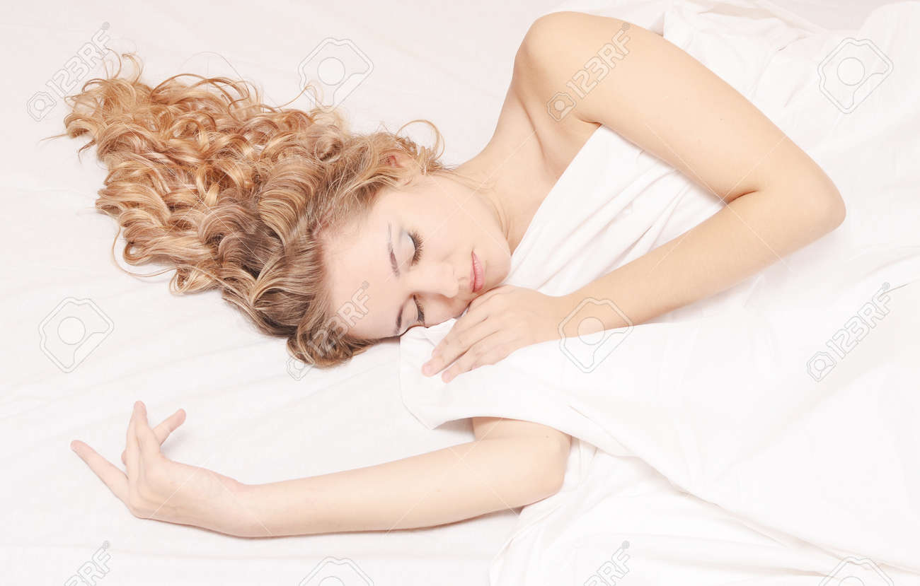 portrait of young beautiful sleeping woman Standard-Bild - 16114804