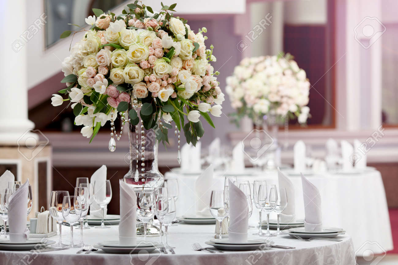 Stock Photo - Table setting at a luxury wedding reception & Table Setting At A Luxury Wedding Reception Stock Photo Picture And ...