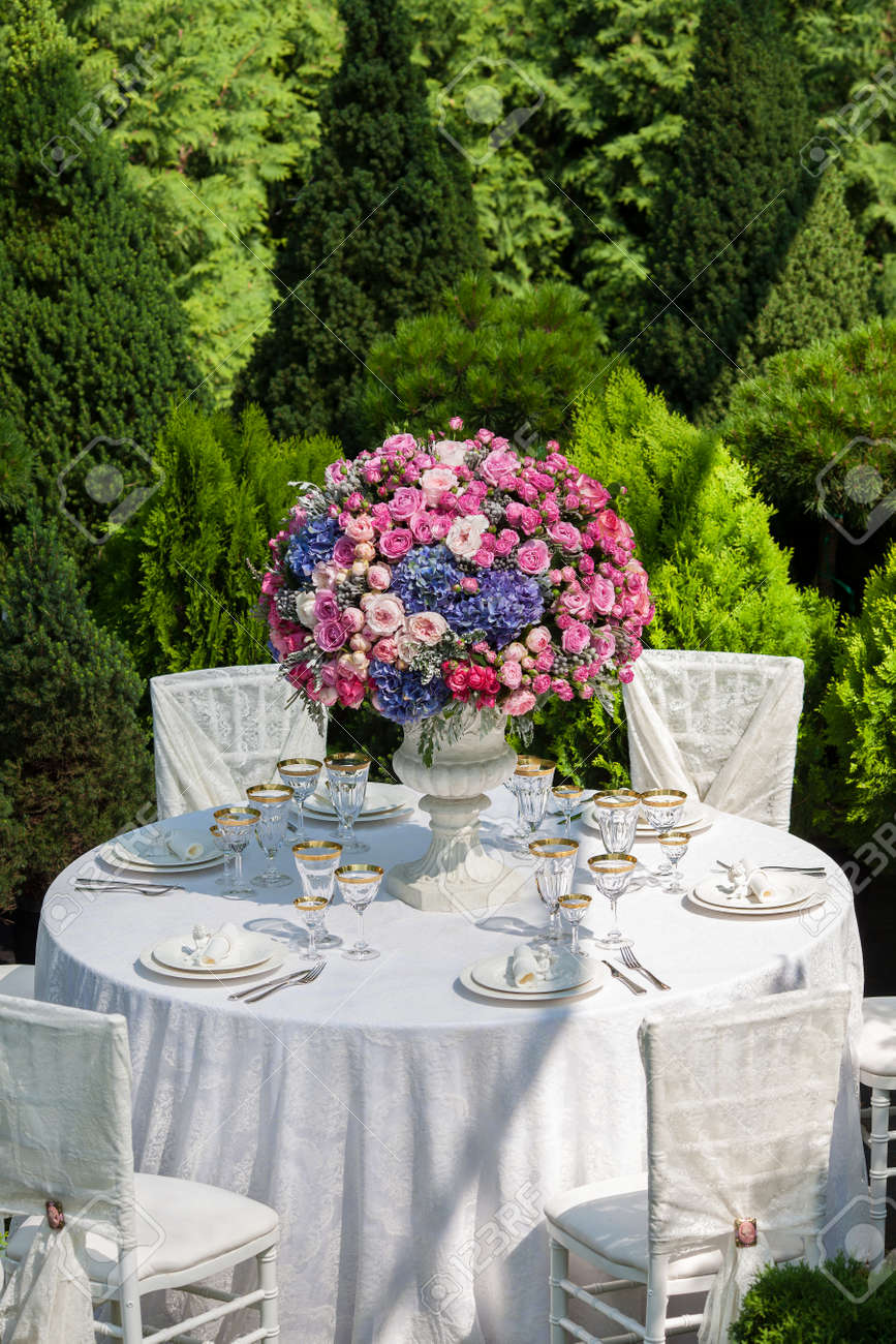 Table Setting At A Luxury Wedding Reception Stock Photo Picture And