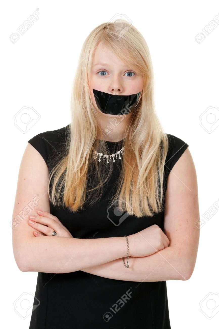 Фото девушек с тряпкой во рту