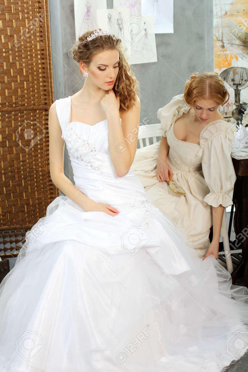 Schön Hochzeitskleider Berühmten Designer Bilder - Brautkleider ...