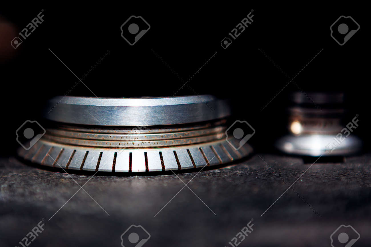 Rolling mechanism of tape magnetophone . Wheel roller for vintage tapes . Stroboscope for analog recording - 170001705
