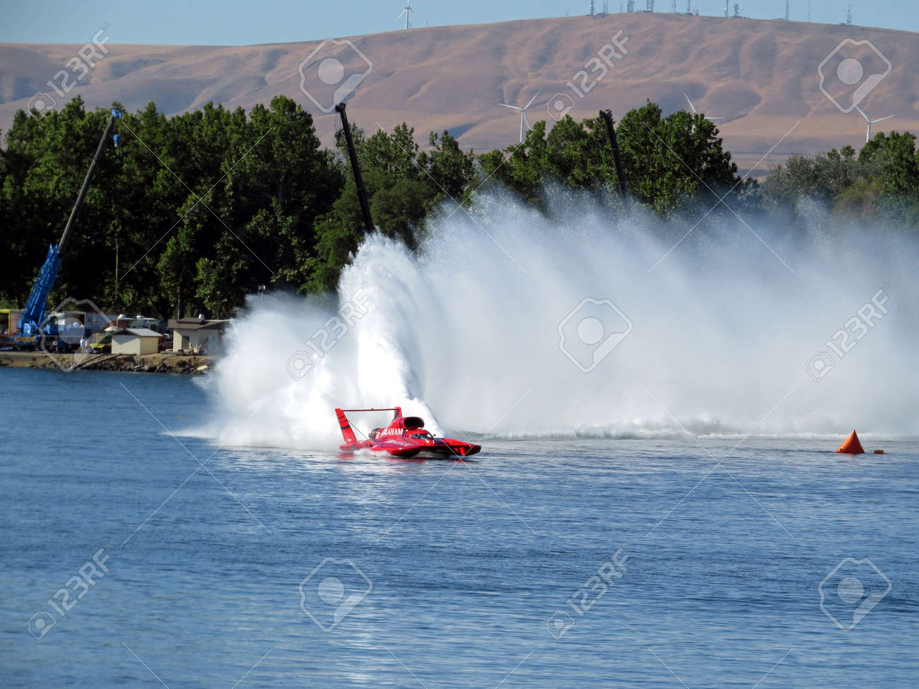 H1 Unlimited Hydroplane Roostertail