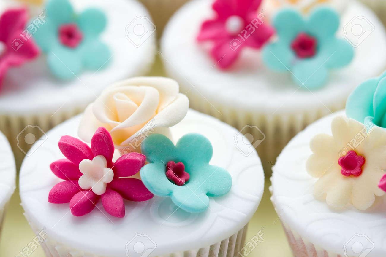 Wedding cupcakes Stock Photo - 6768076