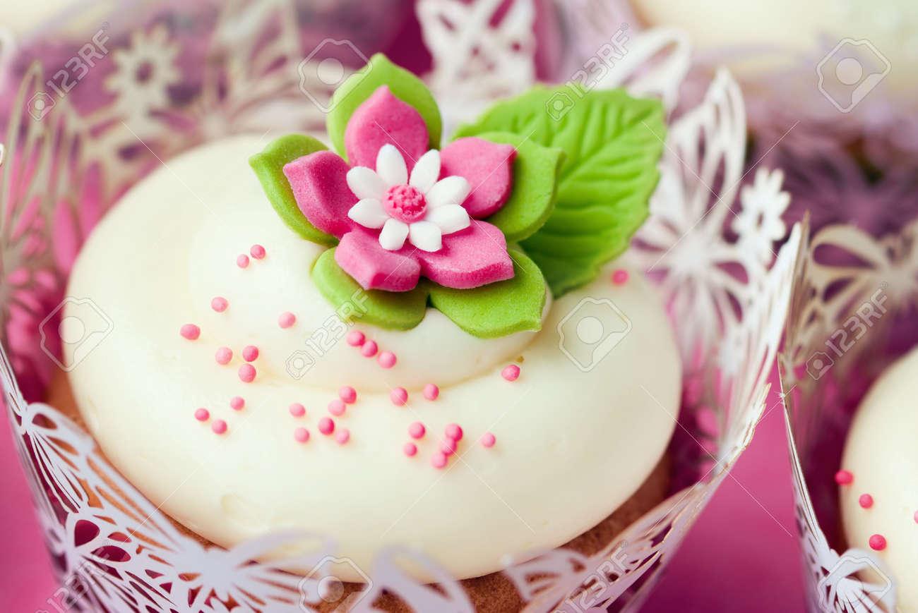 Wedding cupcakes Stock Photo - 7708355