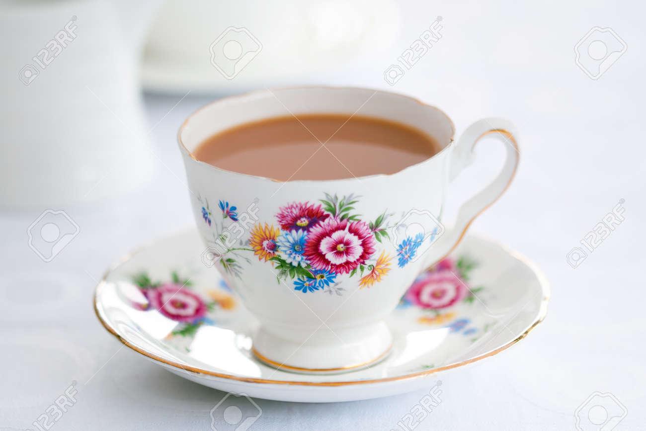2018 2019 8589757-Tea-served-i