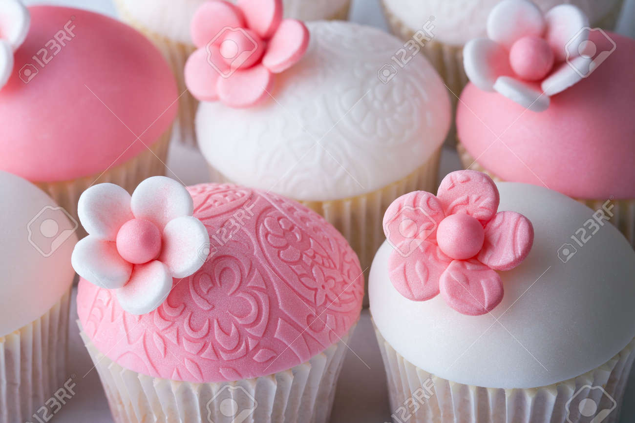 Wedding cupcakes Stock Photo - 9215561