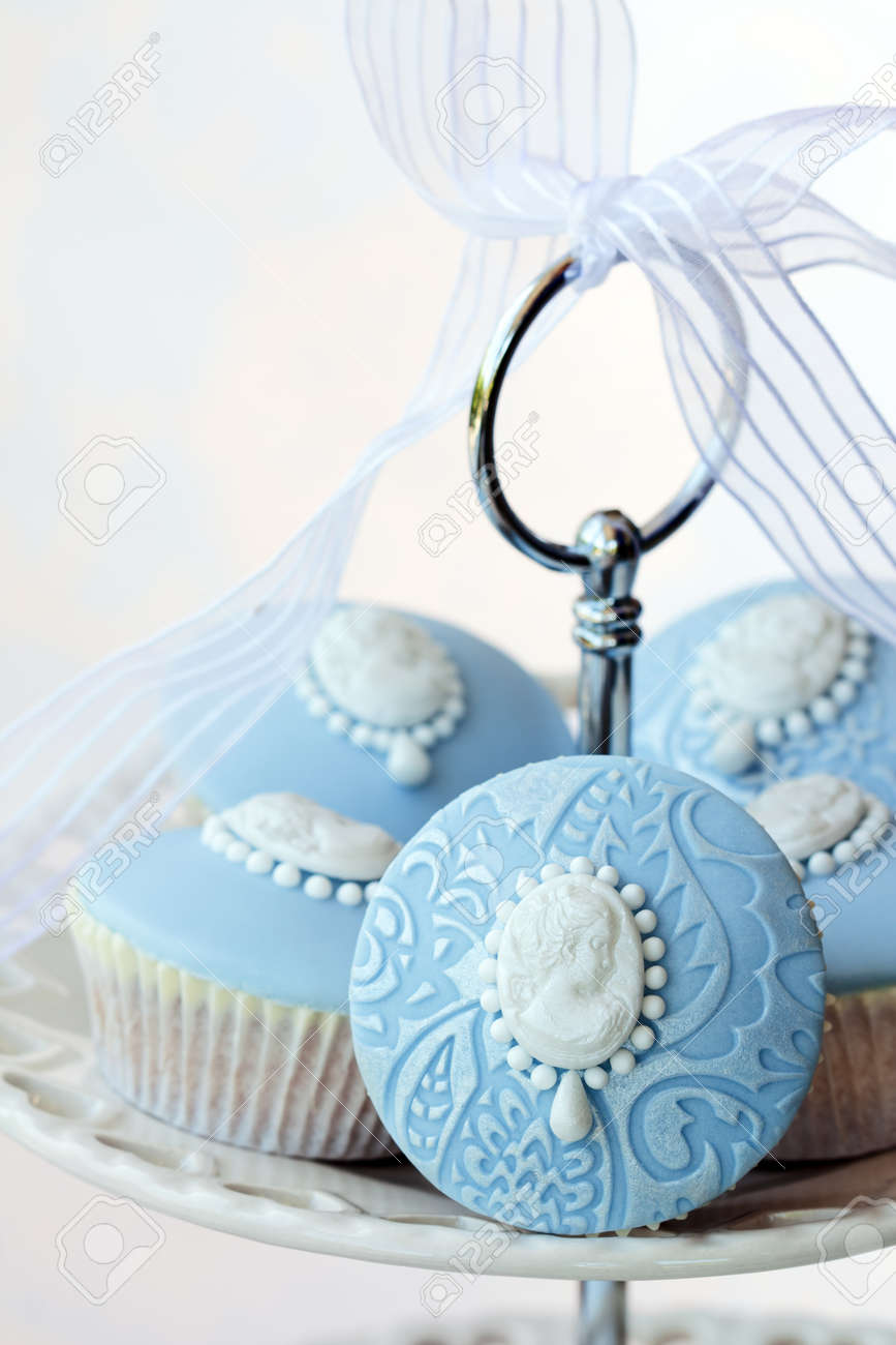 Cameo cupcakes Stock Photo - 9530007