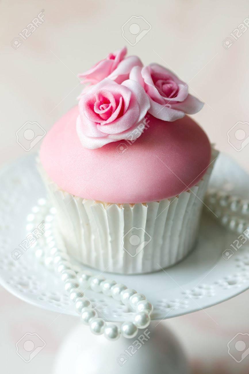 Rose cupcake Stock Photo - 10747426