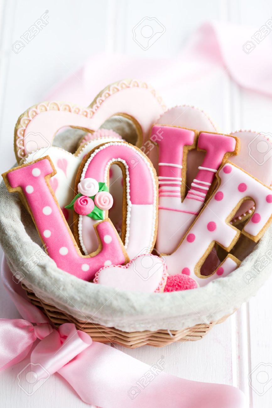 Gift basket of Valentine cookies Stock Photo - 17280766