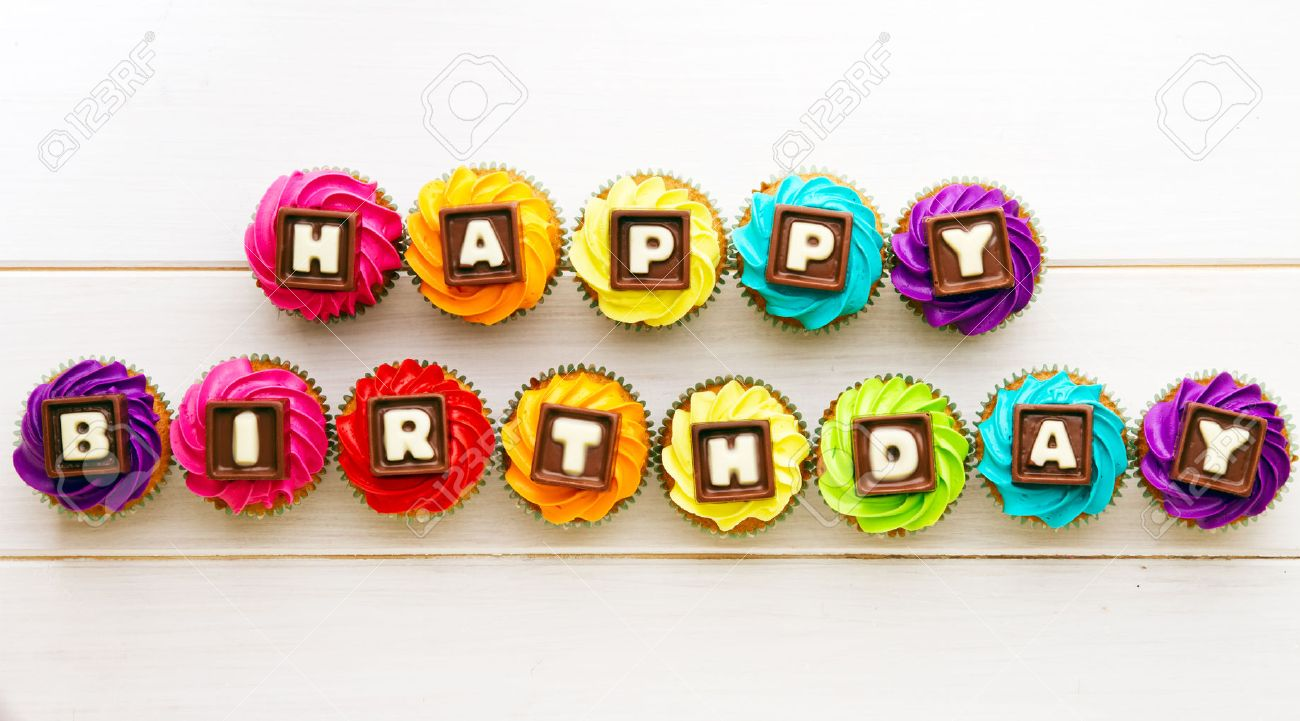 Cupcakes with a birthday greeting - 52676820