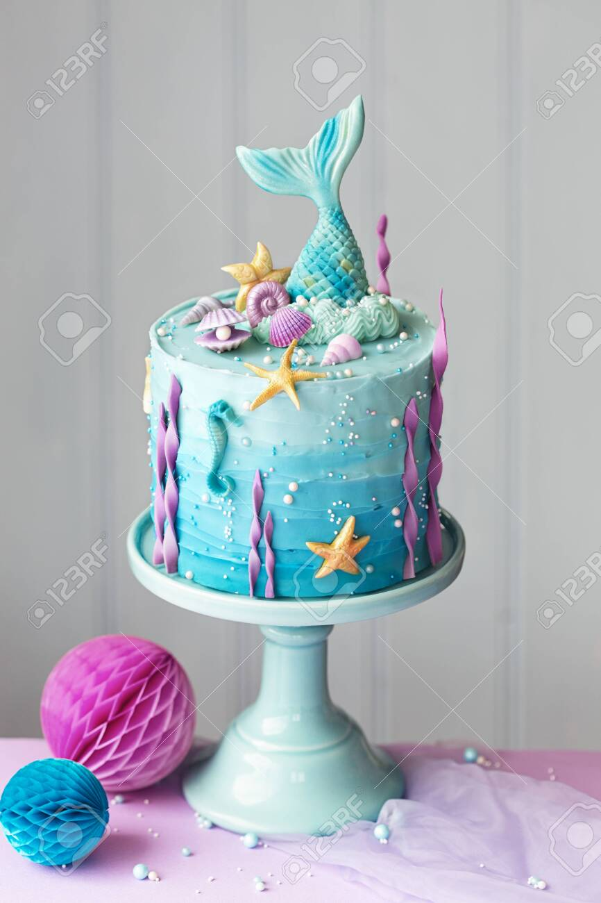 Stupendous Mermaid Birthday Cake Decorated With Seashells Stock Photo Funny Birthday Cards Online Fluifree Goldxyz