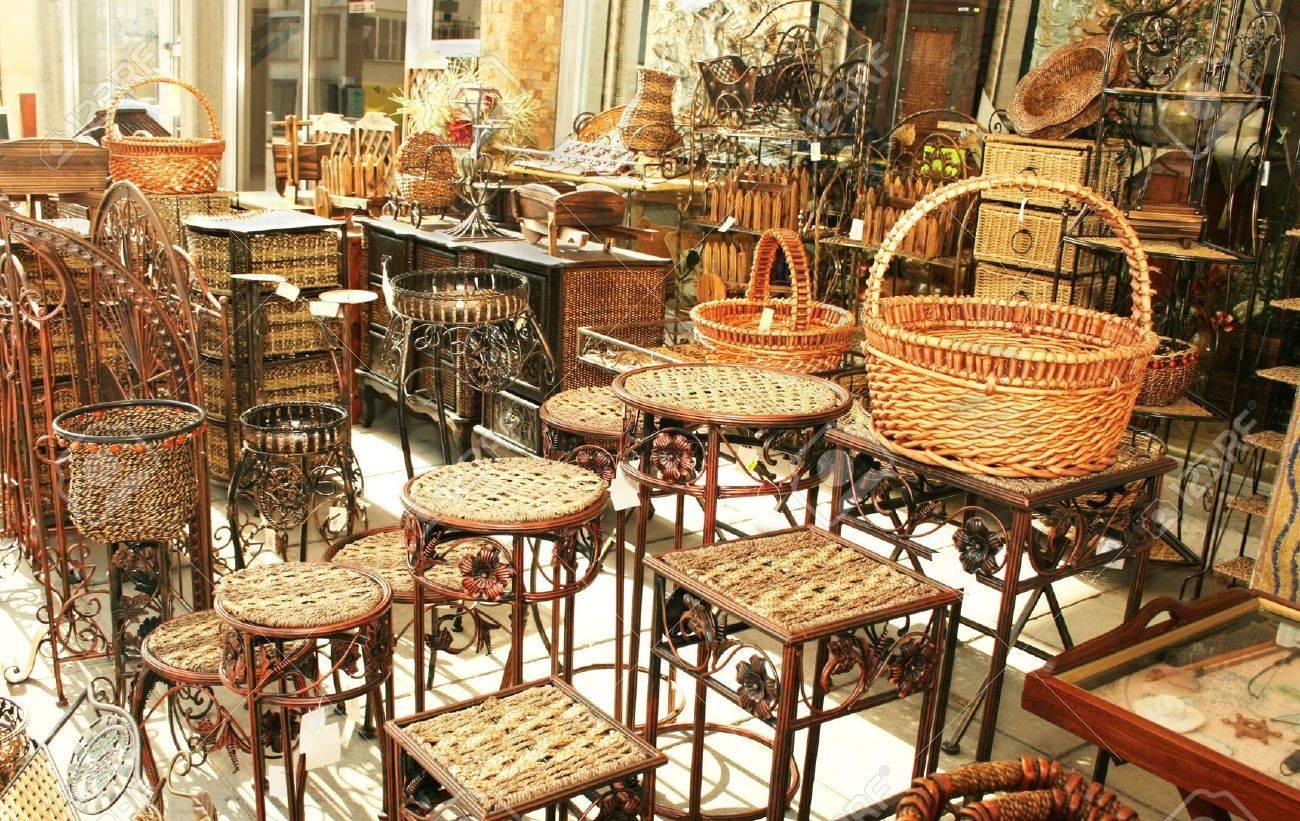 Mobili In Bambù Decorativi Negozio All\'aperto A Cipro. Foto Royalty ...