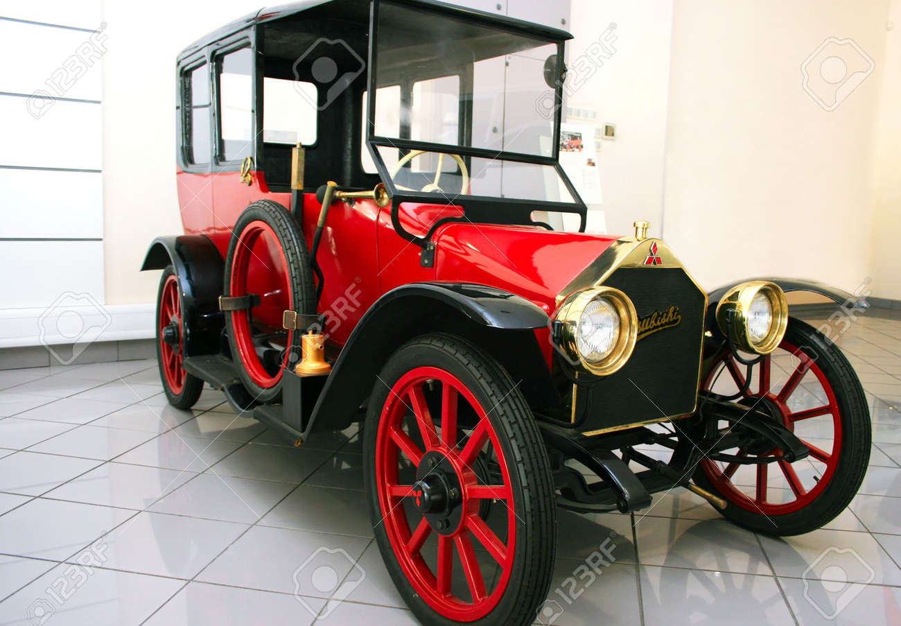 Old School Car Calls The 1917 The First Production Car Built.. Stock ...