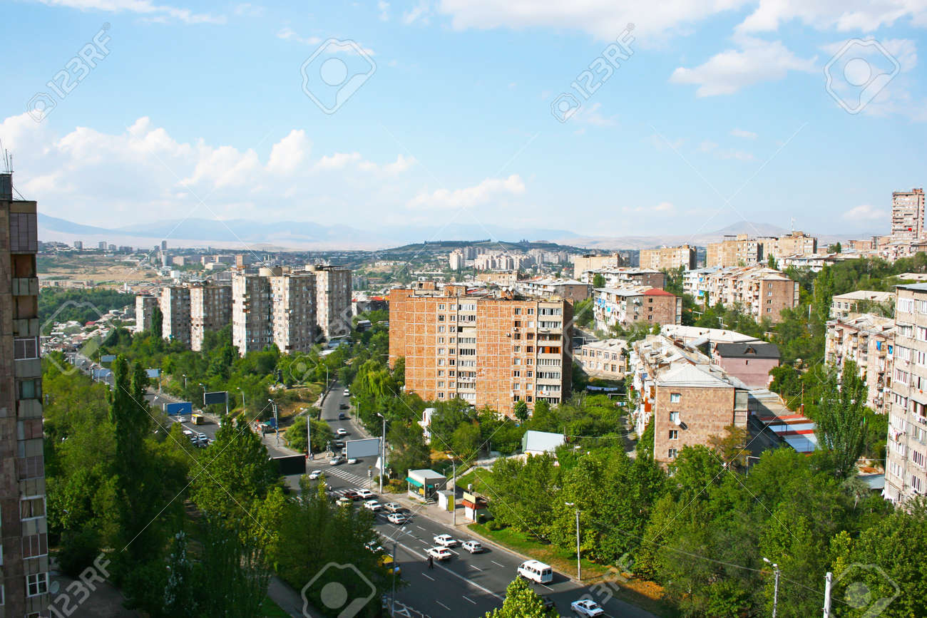 Eriwan Stadt Aus Der Hohe In Armenien Zu Sehen Lizenzfreie Fotos Bilder Und Stock Fotografie Image 12961415
