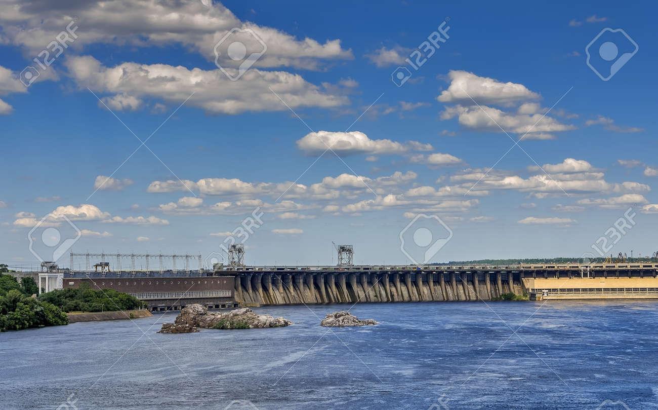 ドニエプル川でザポリージャ水力...